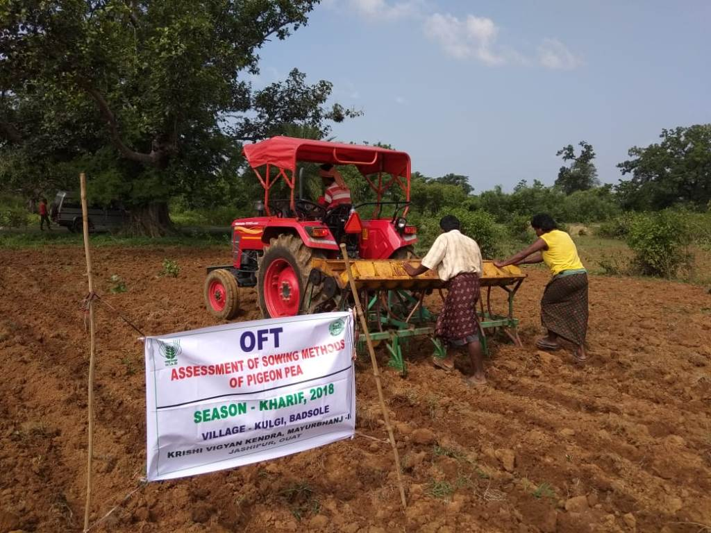 OFT-Line-Sowing-of-Arhar-by-tractor-drawn-seed-cum-fertilizer-drill